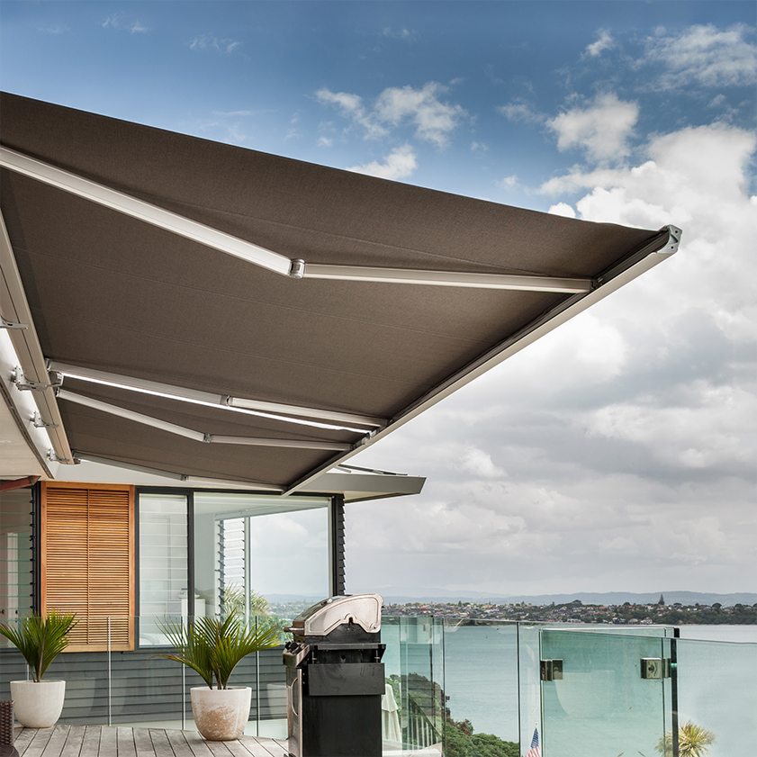 The fully enclosed Ultimo Full Cassette Awning offers an alternative to our Kona range
